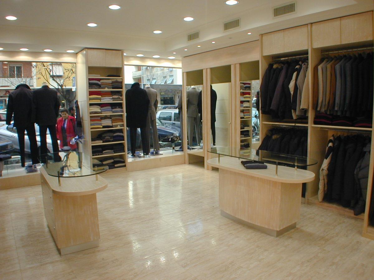 arredamenti-negozi-abbigliamento-uomo