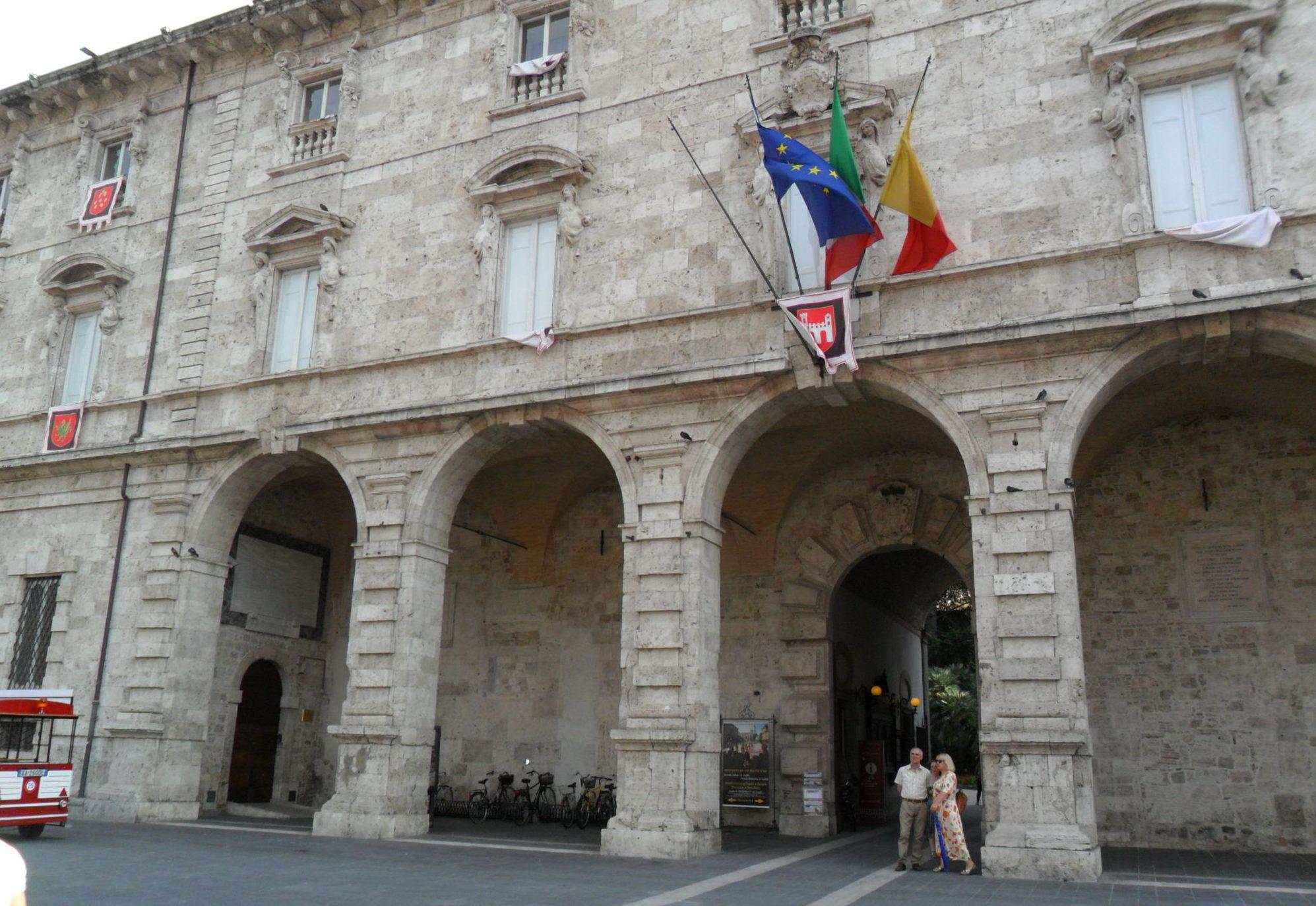 palazzo-arengo