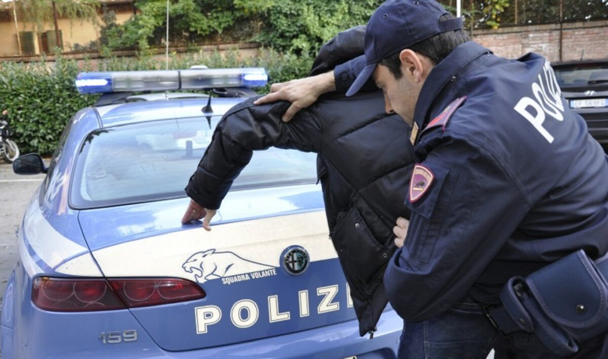 polizia-volante-arresto