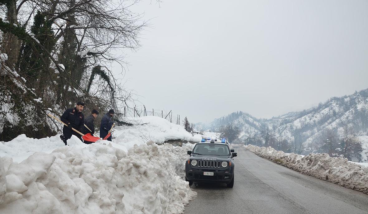 Carabinieri e neve (7)