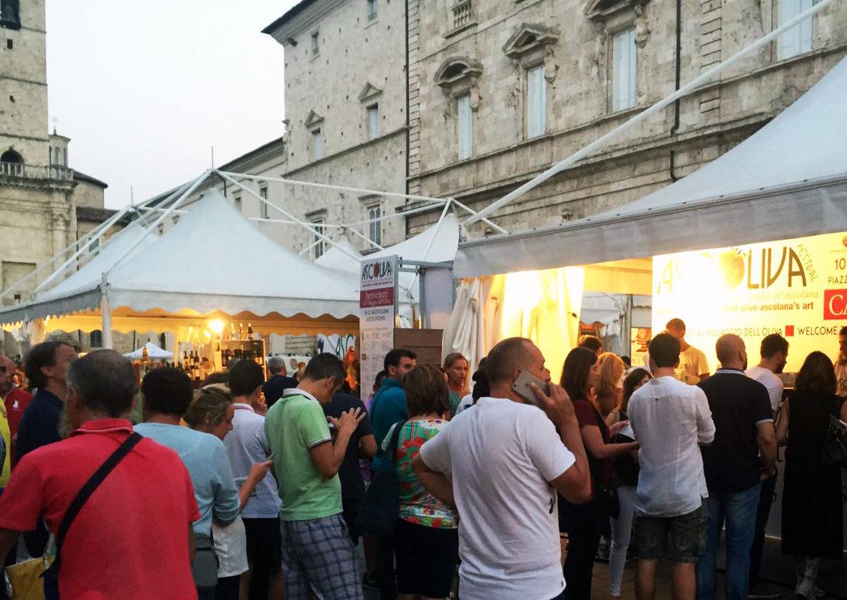 File alla cassa ad Ascoliva Festival 2016