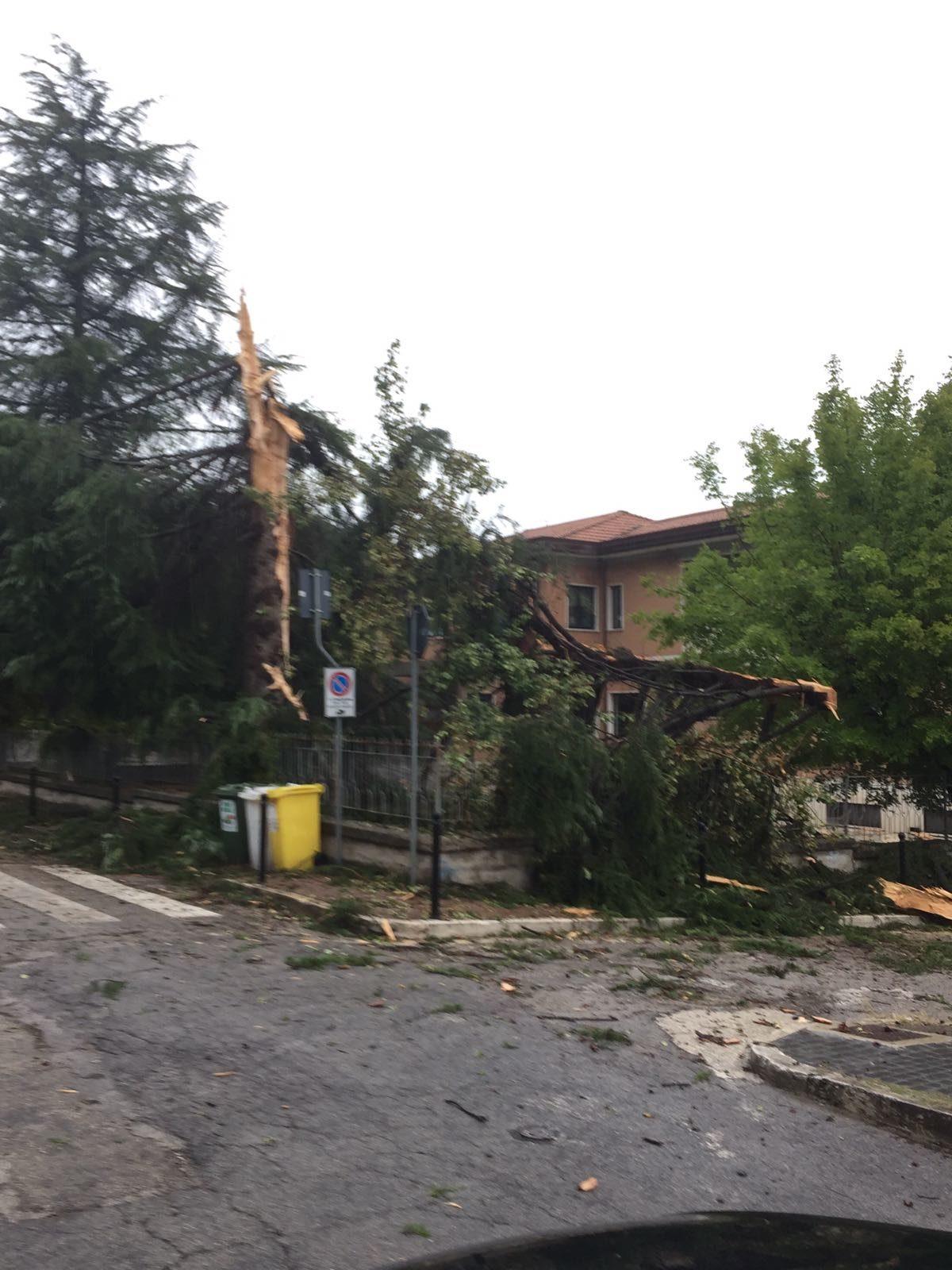 Fulmine in via Sassari