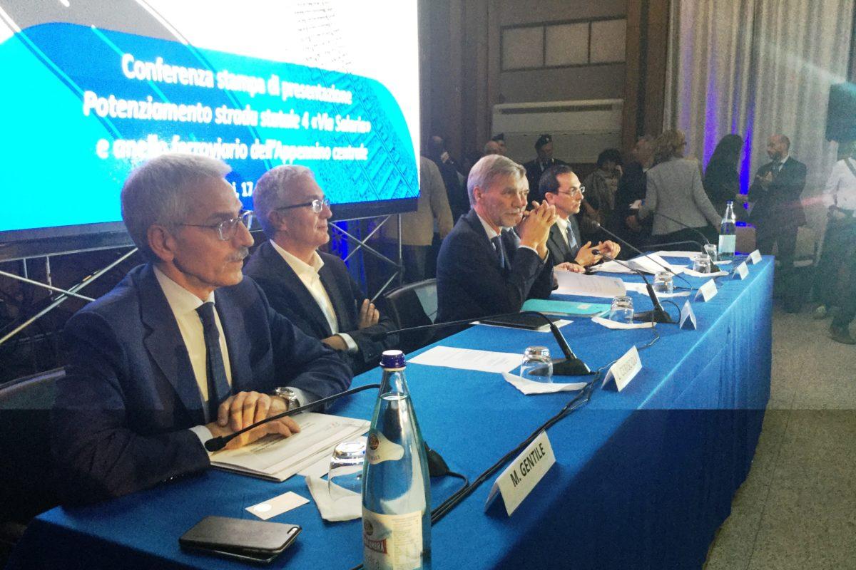 Foto conferenza Rieti su Salaria e ferrovia