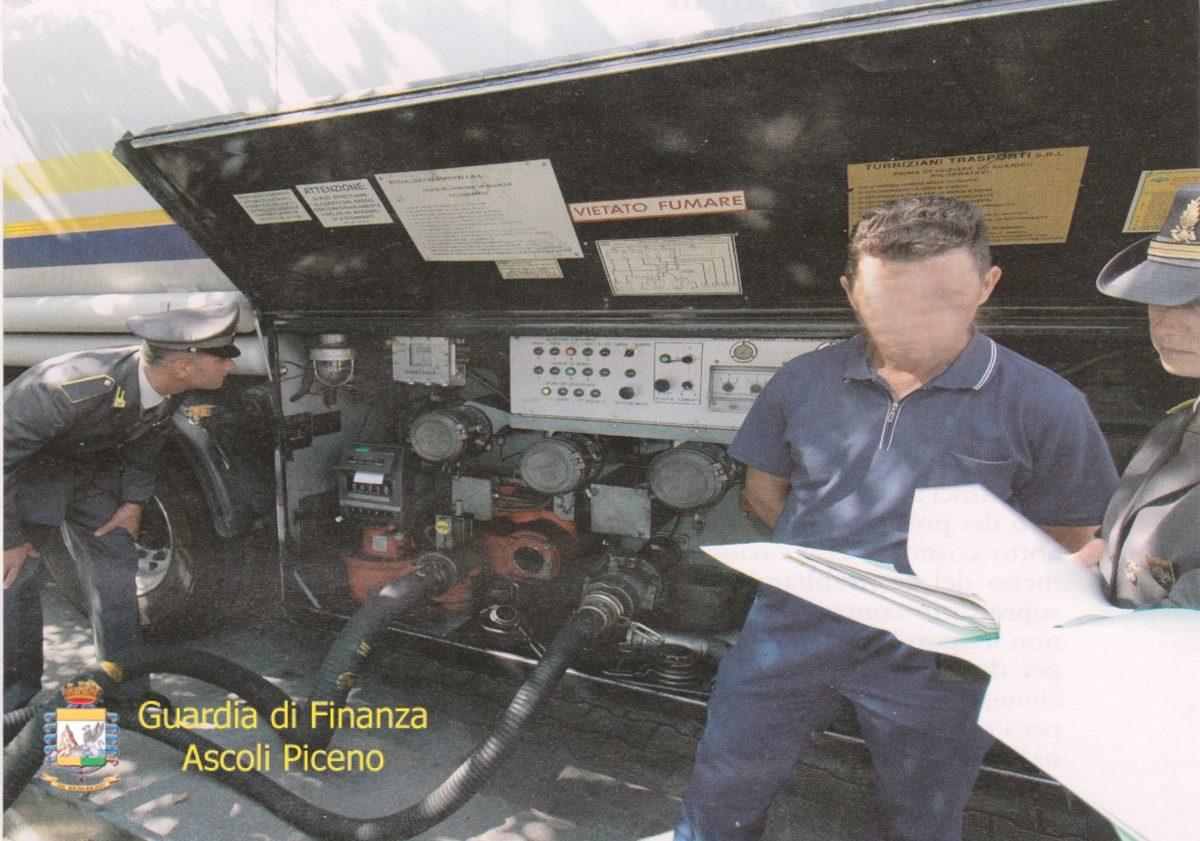 Guardia di Finanza carburanti