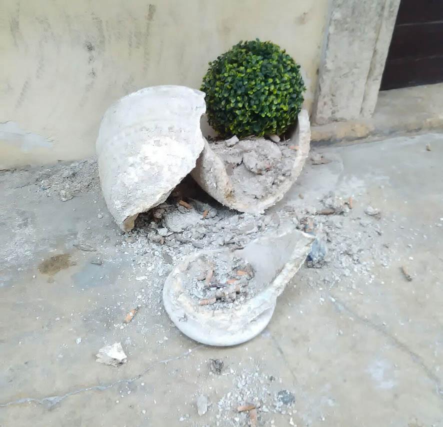 vaso rotto in corso Mazzini