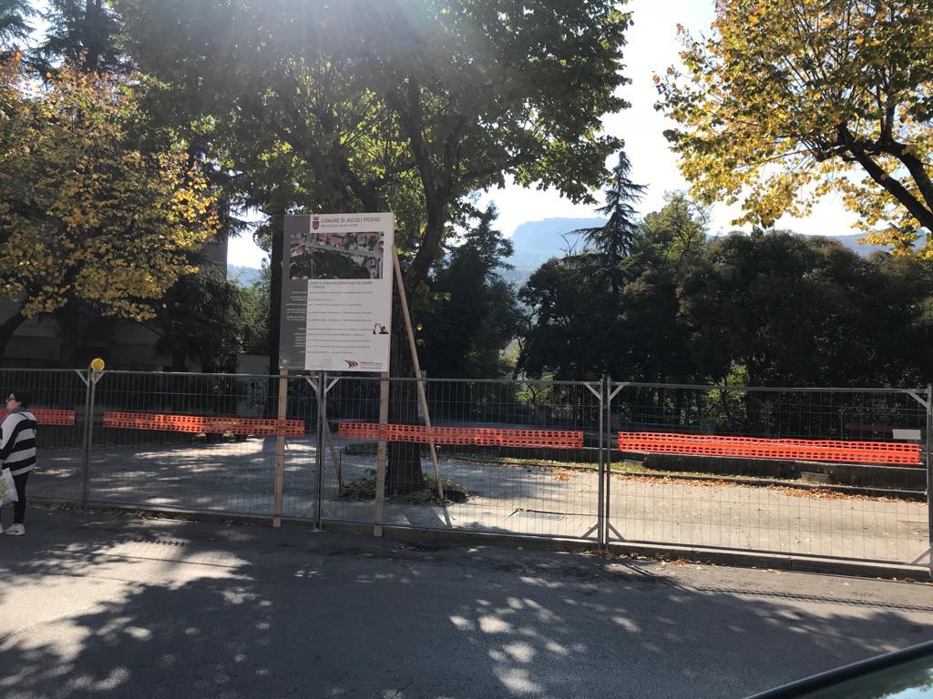 Cantiere in viale De Gasperi