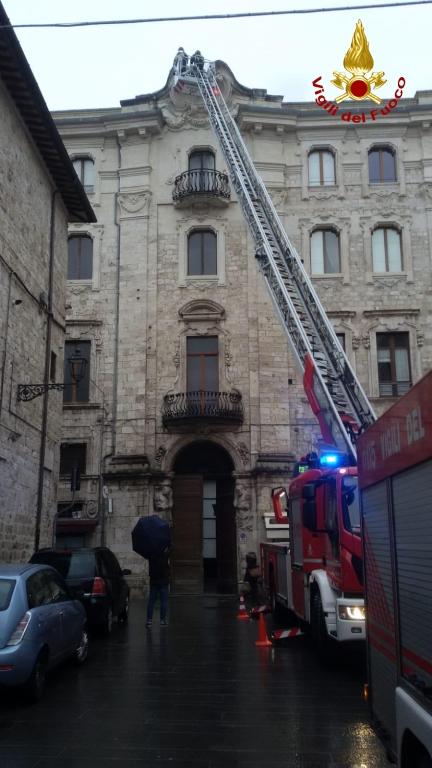 vigili del fuoco in corso Mazzini