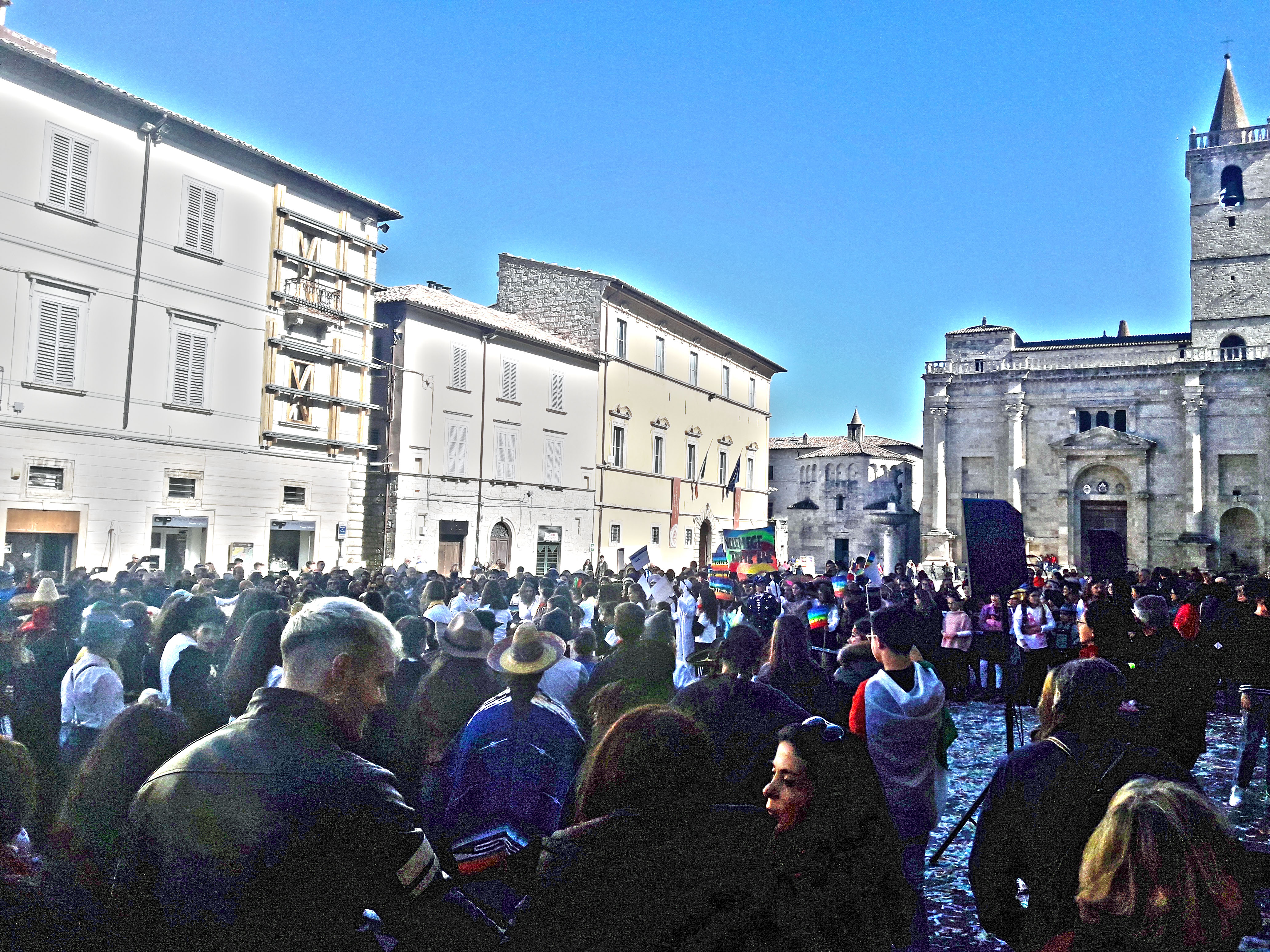 Carnevale scuole in piazza Arringo 2019