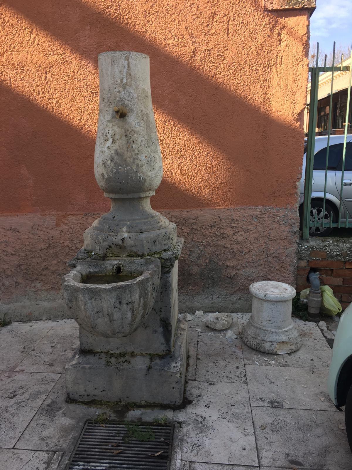 Fontana piazza San Tommaso (1)