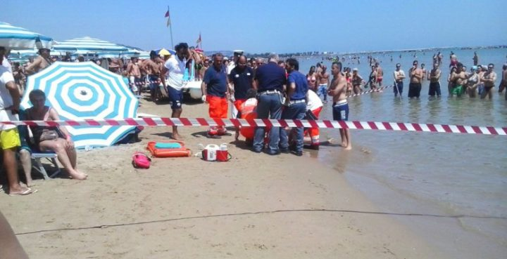 morto in spiaggia